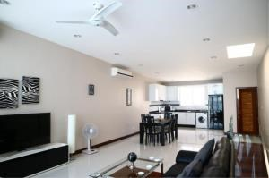 RE/MAX Town & Country Property Agency's Townhouse near The beach 3