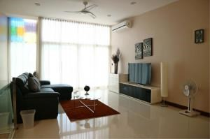 RE/MAX Town & Country Property Agency's Beautiful beach front in Bang Saray 2