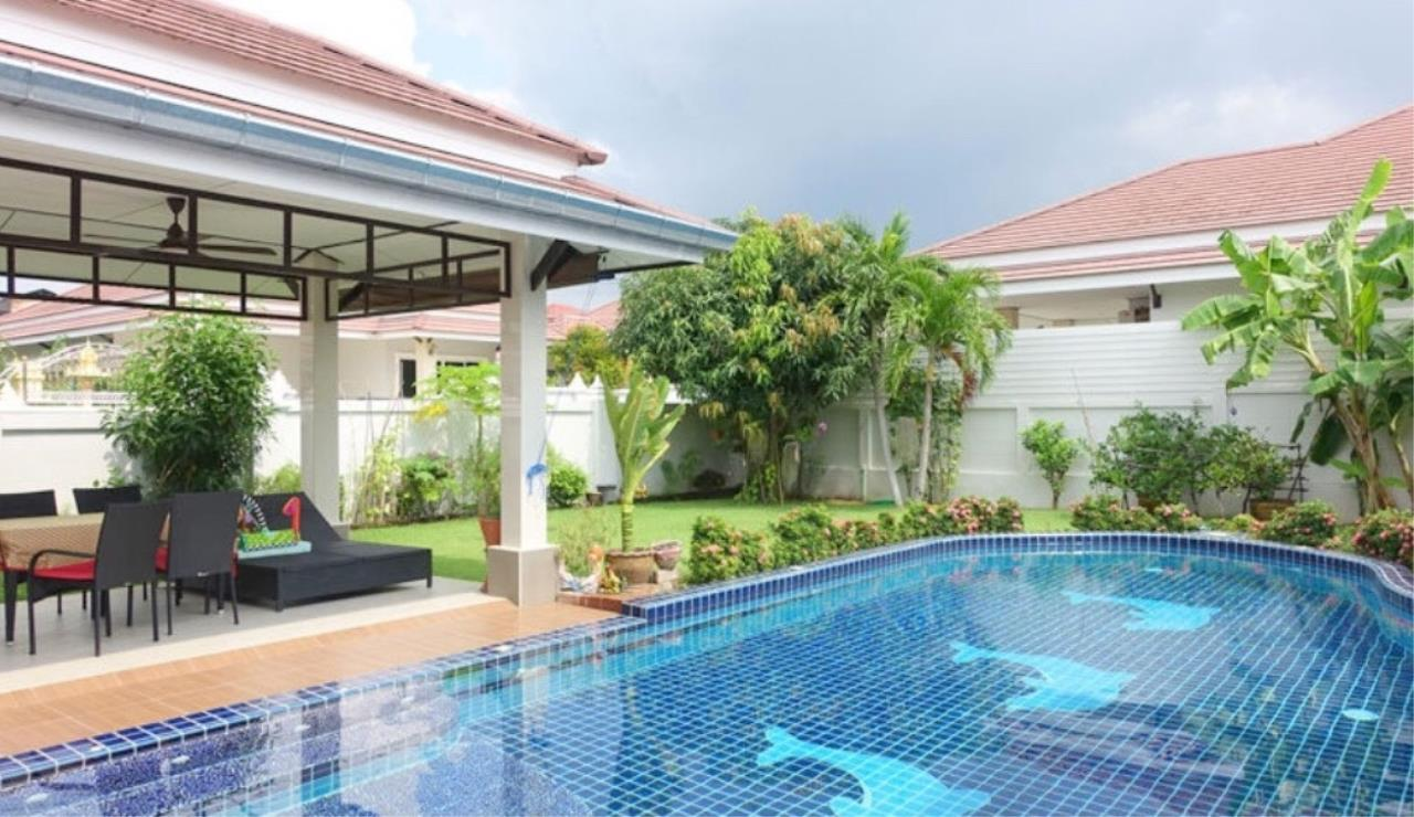 RE/MAX Town & Country Property Agency's Beautiful house for sale in Bang Saray 3