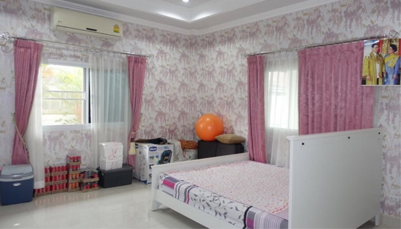 RE/MAX Town & Country Property Agency's Beautiful house for sale in Bang Saray 8