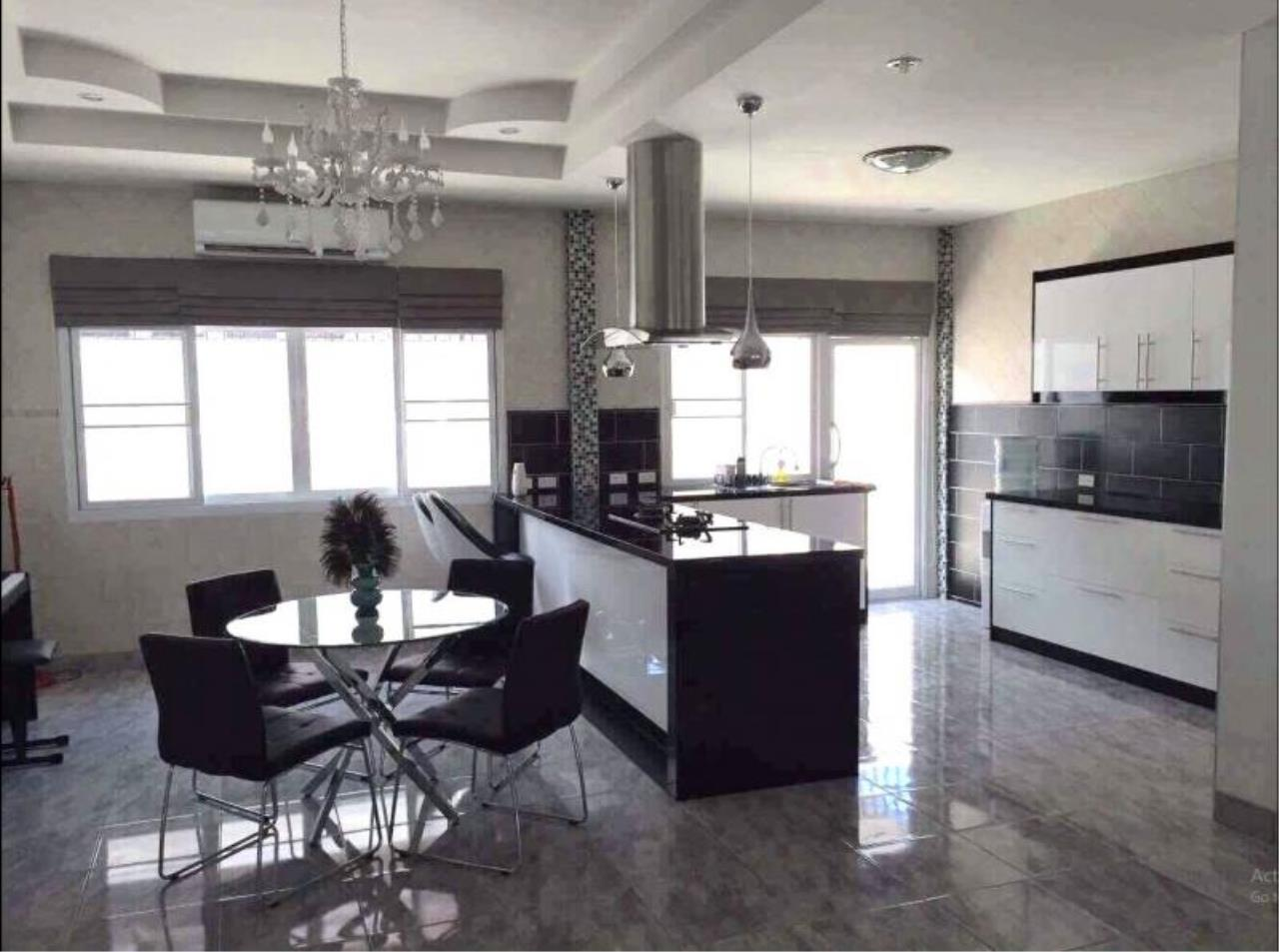 RE/MAX Town & Country Property Agency's Bang Saray newly renovated luxury villa 4