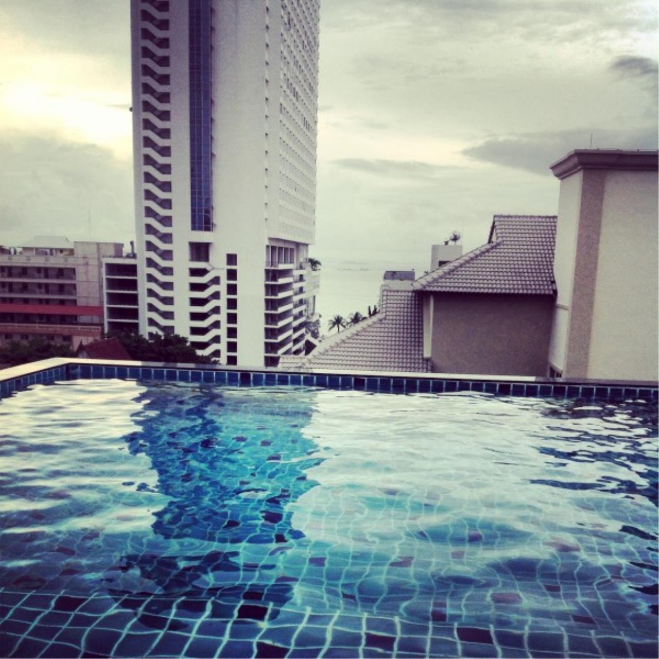 RE/MAX Town & Country Property Agency's Condo for rent 10