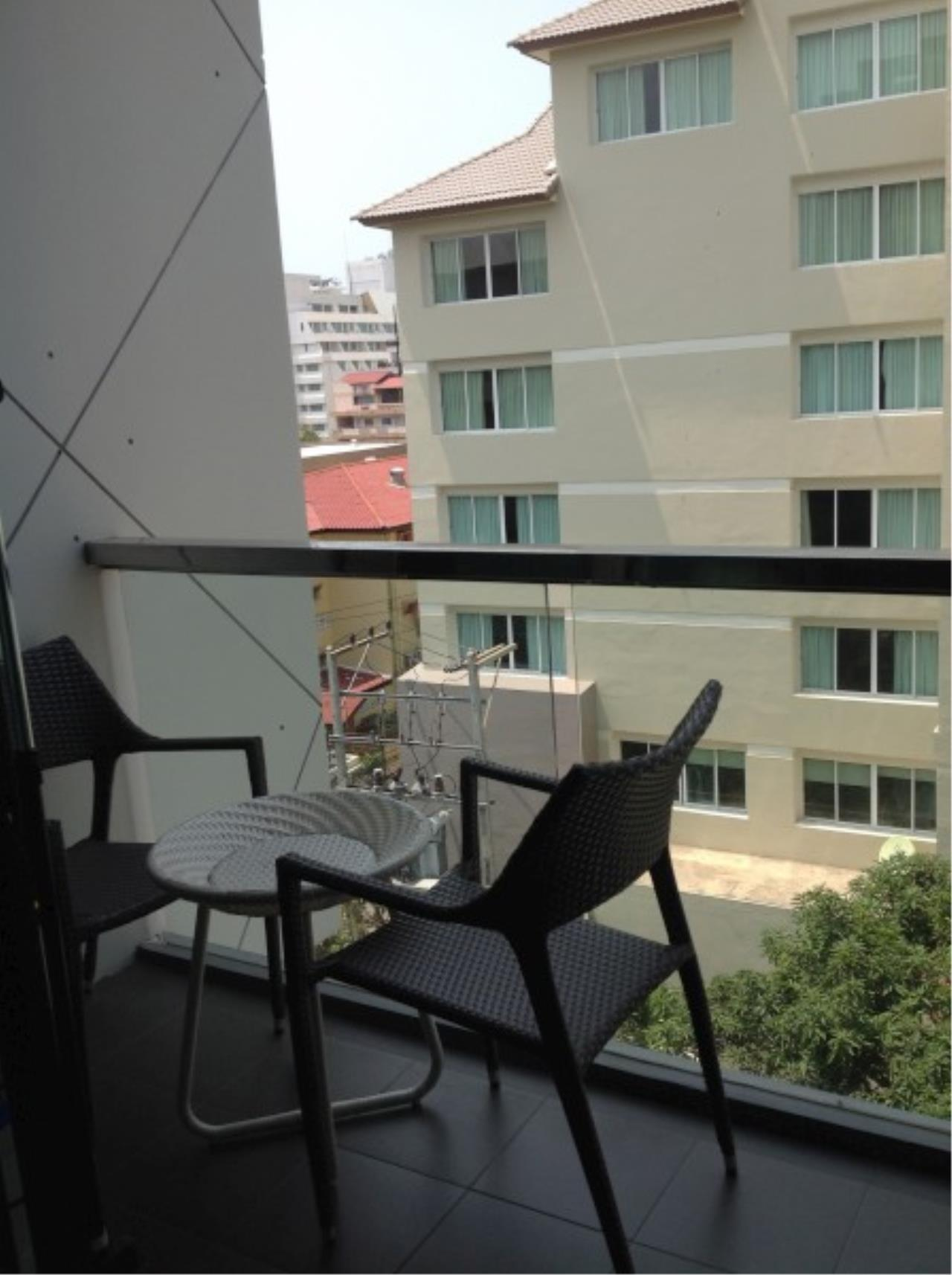 RE/MAX Town & Country Property Agency's Condo for rent 6