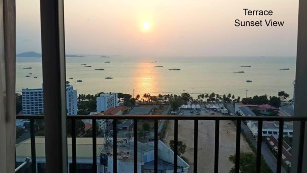 RE/MAX Town & Country Property Agency's Great sea view condo in Central Pattaya 8