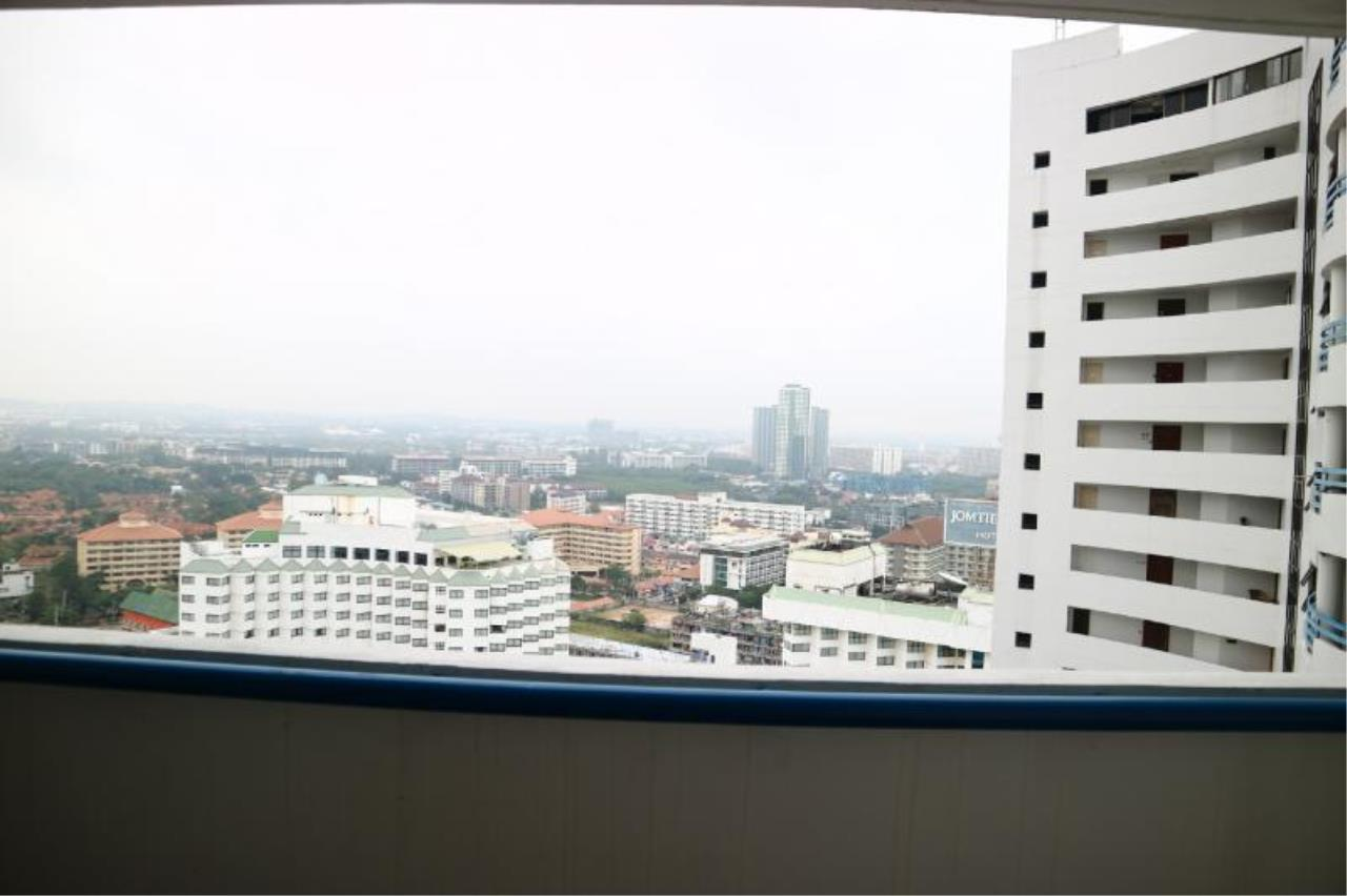 RE/MAX Town & Country Property Agency's 1 Bedroom in Central Pattaya 3