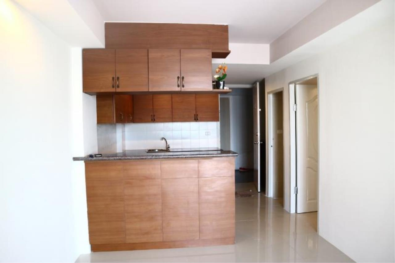 RE/MAX Town & Country Property Agency's 1 Bedroom condo in East Pattaya 6