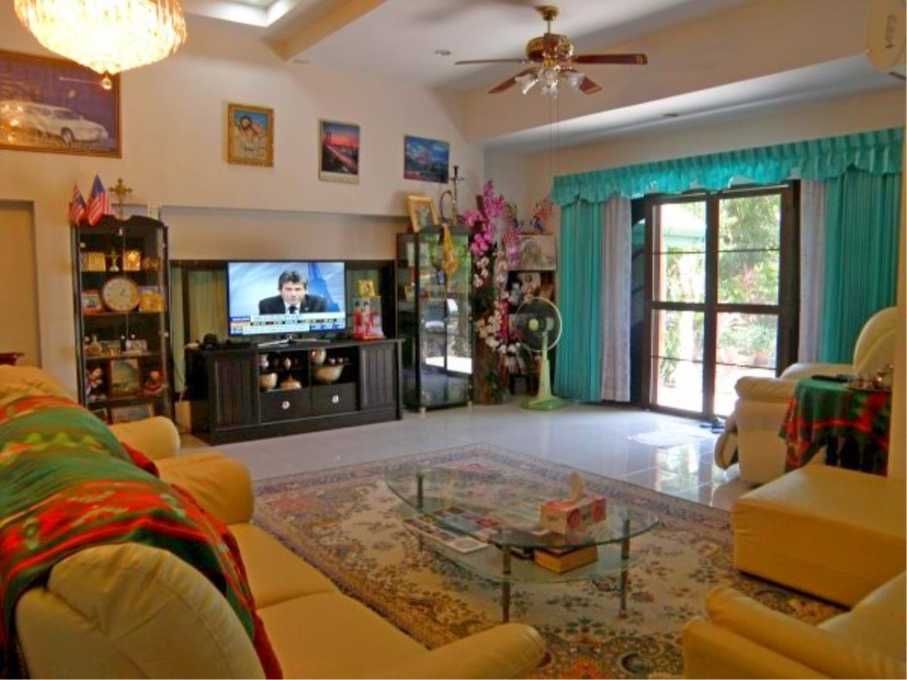 RE/MAX Town & Country Property Agency's Beautiful house in East Pattaya 4