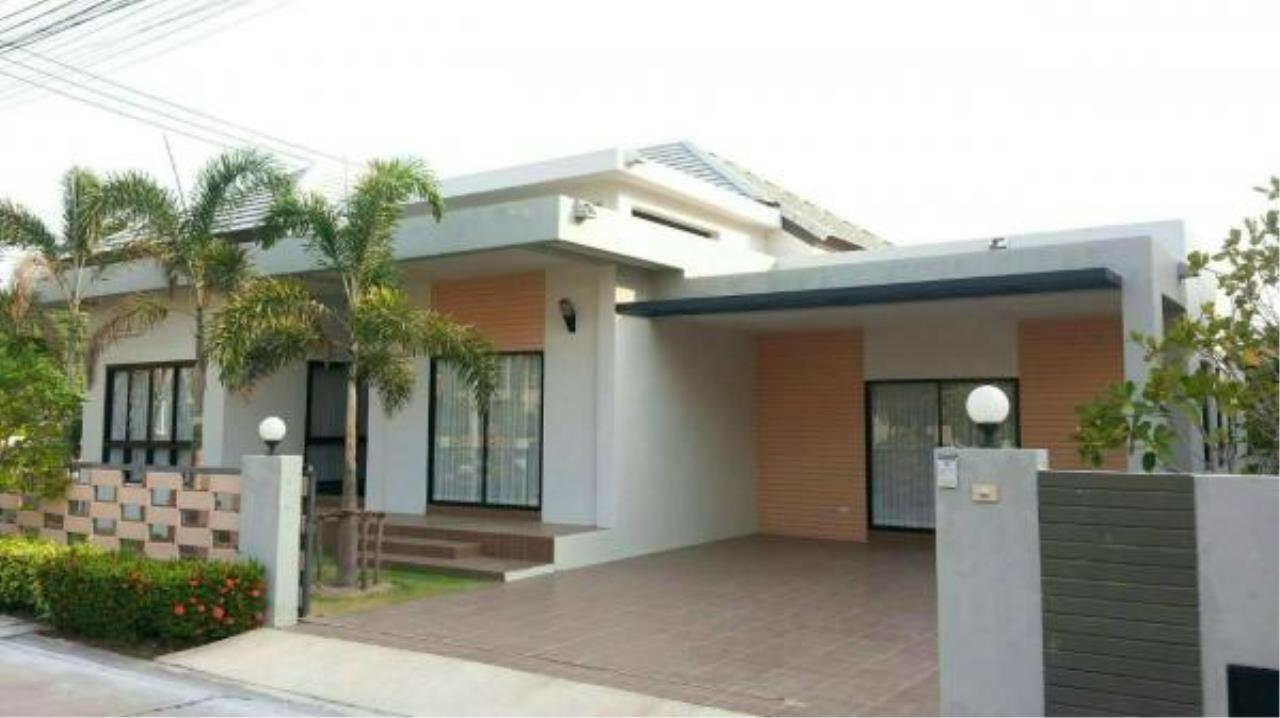 RE/MAX Town & Country Property Agency's 3 bedroom house for sale 1