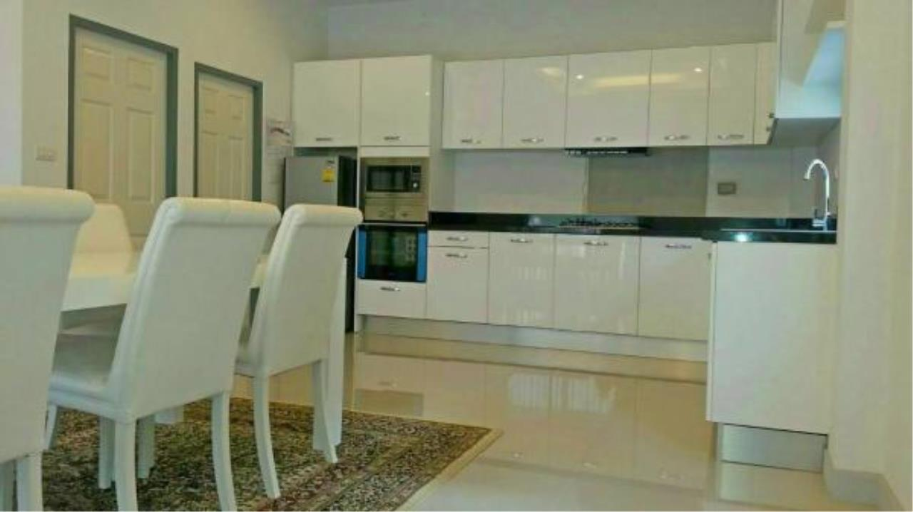 RE/MAX Town & Country Property Agency's 3 bedroom house for sale 8