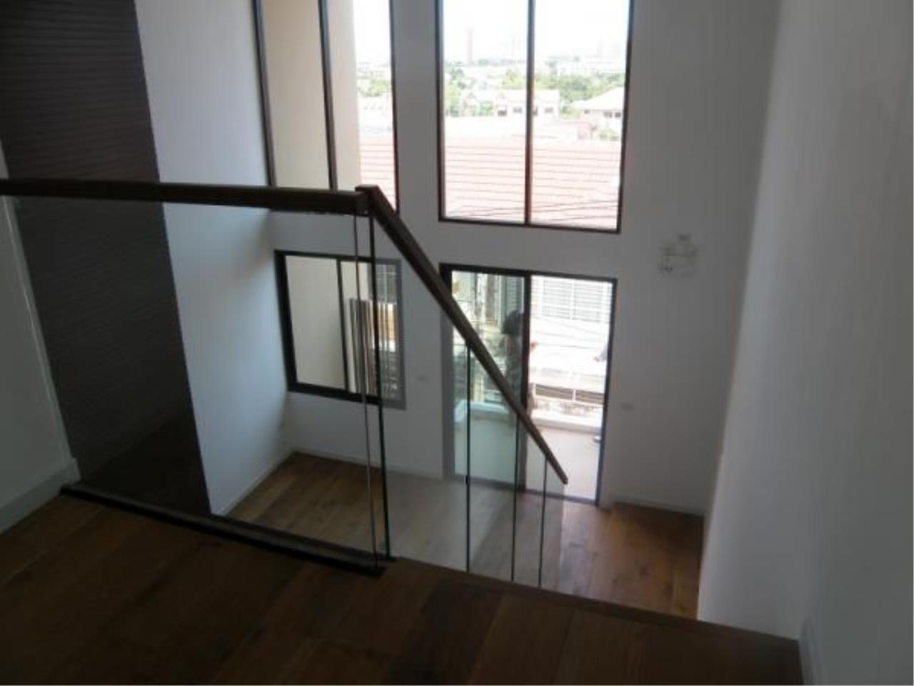 RE/MAX Town & Country Property Agency's Modern Town Home for sale 7