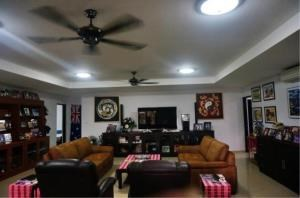 RE/MAX Town & Country Property Agency's Large Modern Single Story House on 1 Rai of Land. 2