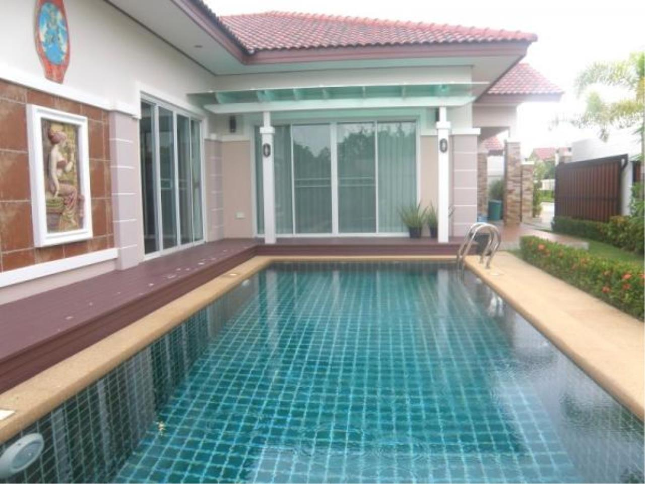 RE/MAX Town & Country Property Agency's Fully furnished with private pool-villa 3
