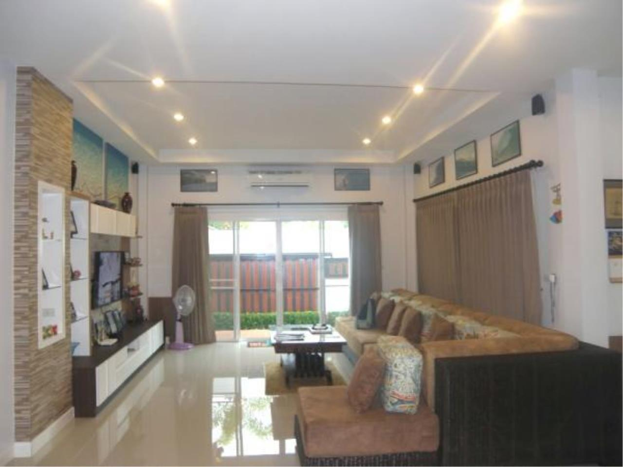 RE/MAX Town & Country Property Agency's Fully furnished with private pool-villa 7