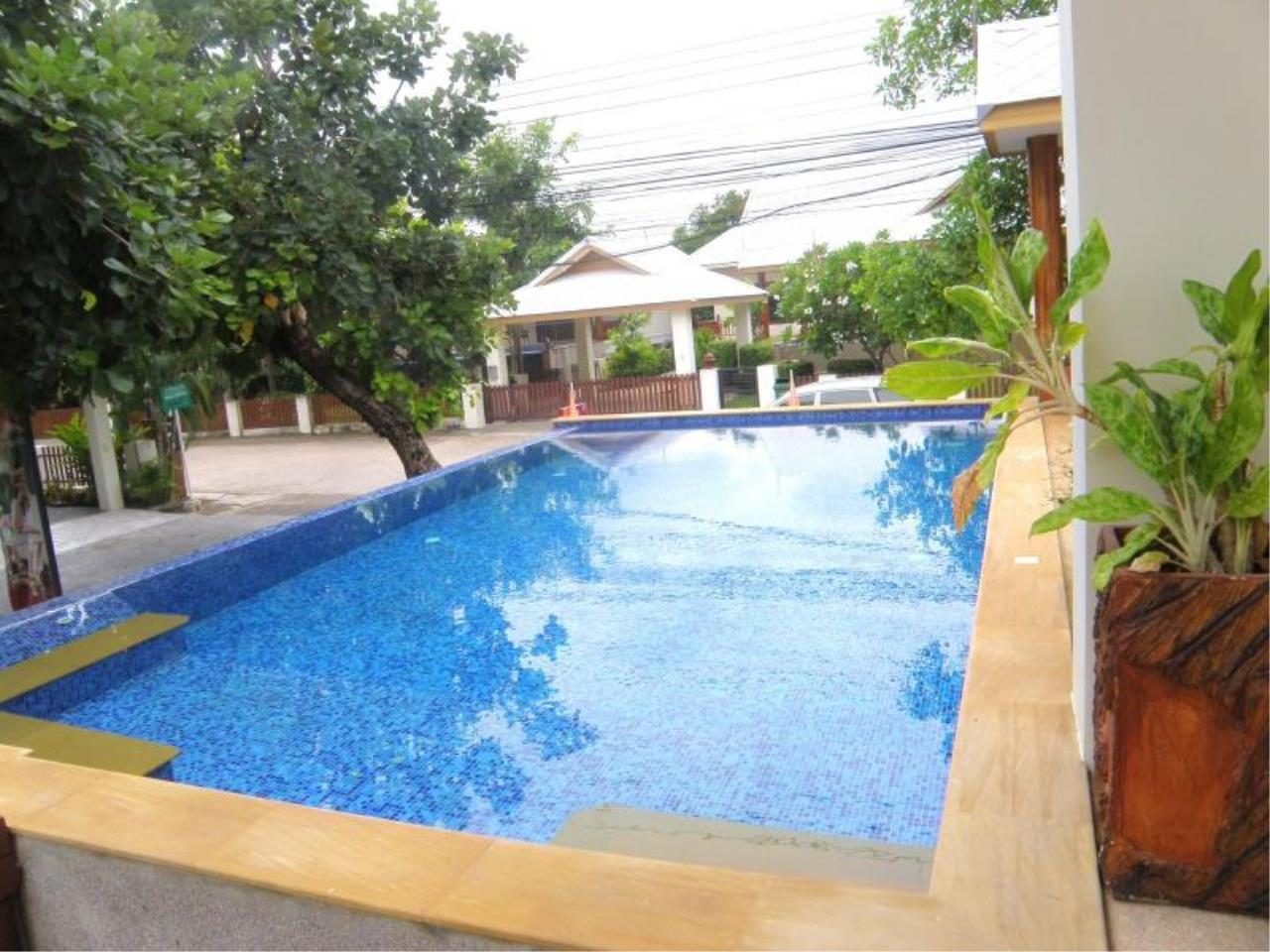 RE/MAX Town & Country Property Agency's Detached House in East Pattaya 2