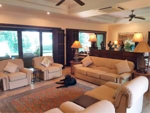 RE/MAX Town & Country Property Agency's Lakeside pool villa for sale 10