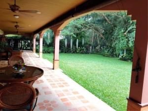 RE/MAX Town & Country Property Agency's Lakeside pool villa for sale 3