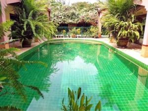RE/MAX Town & Country Property Agency's Lakeside pool villa for sale 4