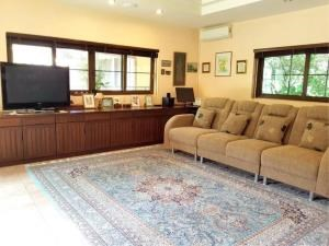 RE/MAX Town & Country Property Agency's Lakeside pool villa for sale 9