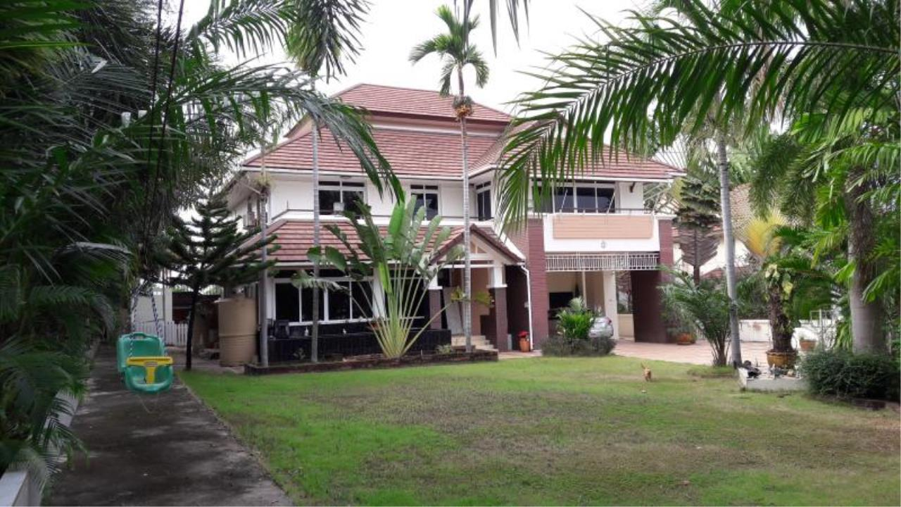 RE/MAX Town & Country Property Agency's Beautiful House East Pattaya 1