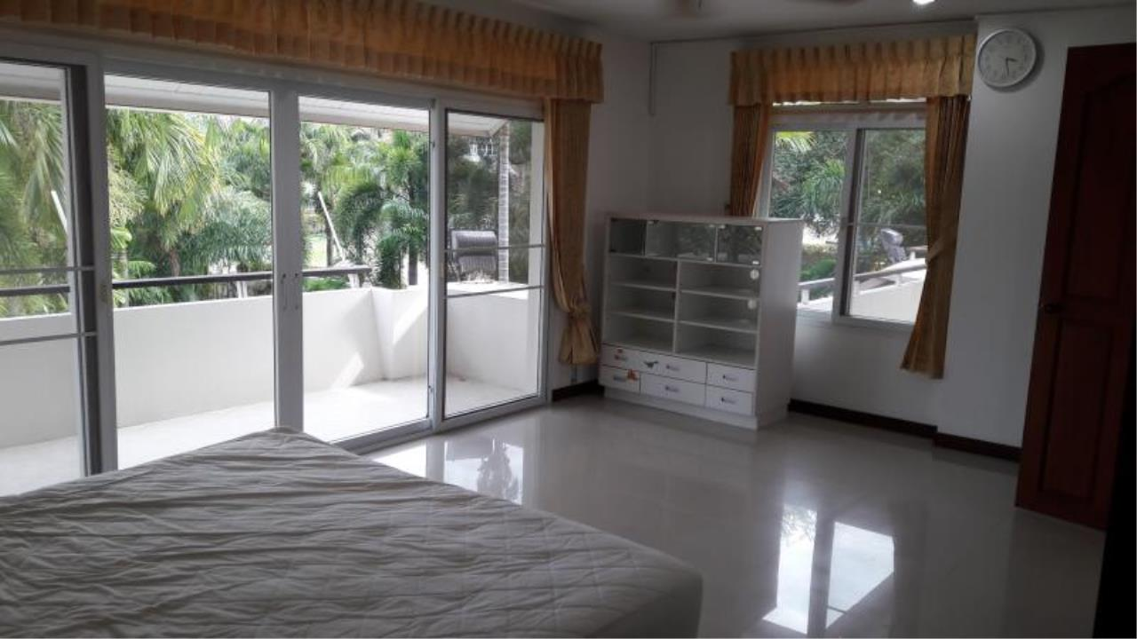 RE/MAX Town & Country Property Agency's Beautiful House East Pattaya 5