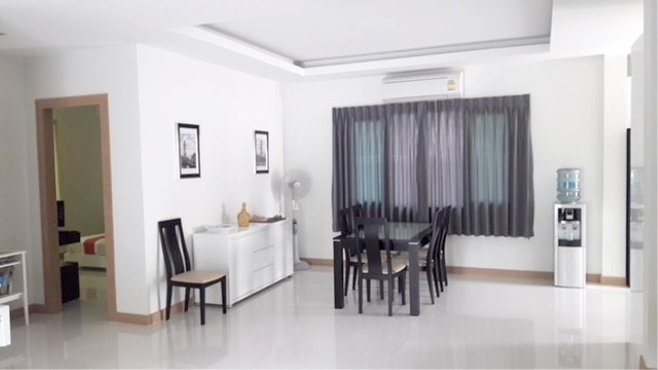 RE/MAX Town & Country Property Agency's Luxury House in East Pattaya 10