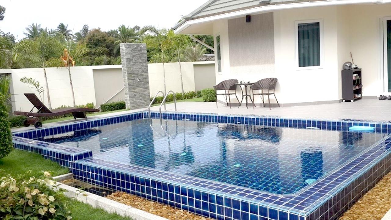 RE/MAX Town & Country Property Agency's Luxury House in East Pattaya 2