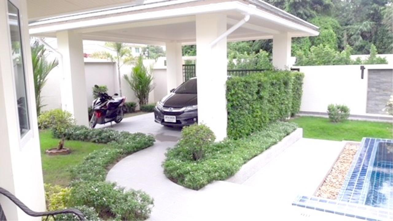 RE/MAX Town & Country Property Agency's Luxury House in East Pattaya 5