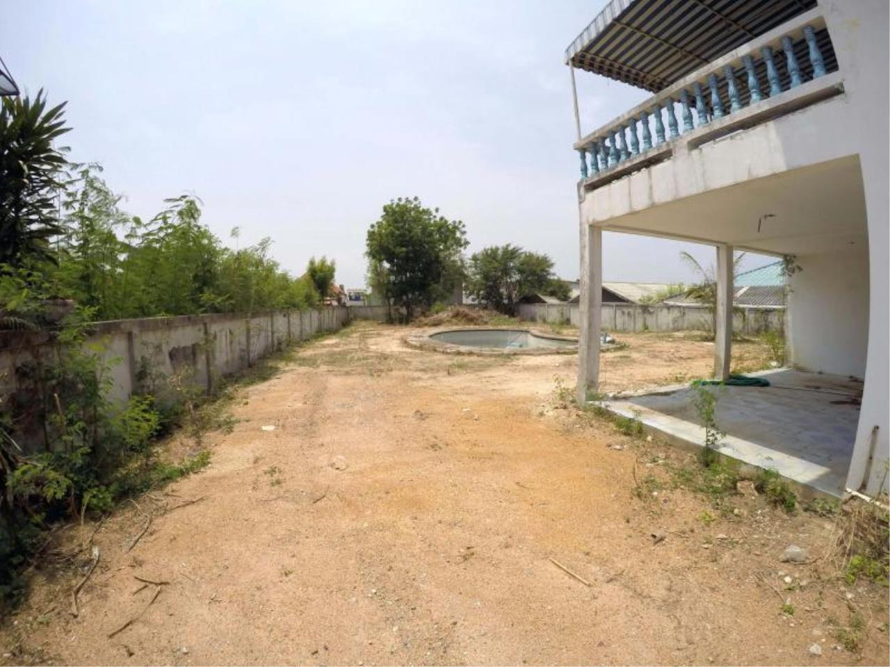 RE/MAX Town & Country Property Agency's 1 RAI & 20 TW LAND AT SOI KHAOTALO FOR SALE 4