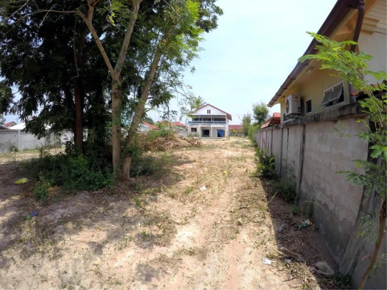RE/MAX Town & Country Property Agency's 1 RAI & 20 TW LAND AT SOI KHAOTALO FOR SALE 5