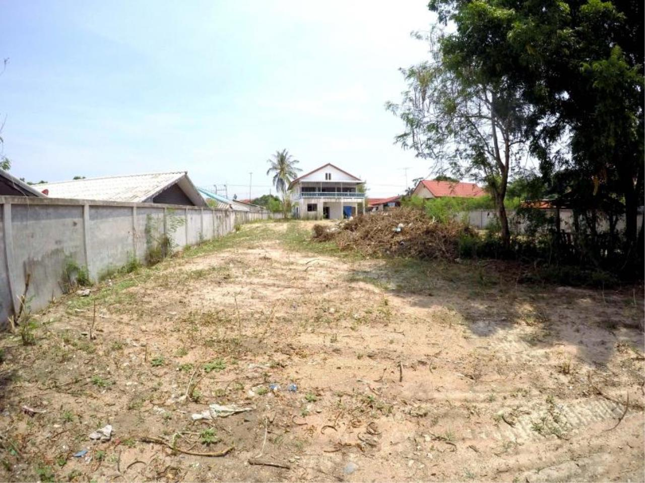 RE/MAX Town & Country Property Agency's 1 RAI & 20 TW LAND AT SOI KHAOTALO FOR SALE 6