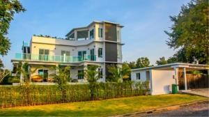 RE/MAX Town & Country Property Agency's Luxury house house for sale 12