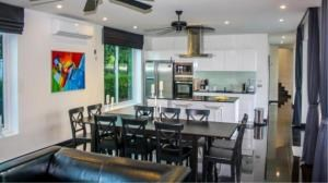 RE/MAX Town & Country Property Agency's Luxury house house for sale 5