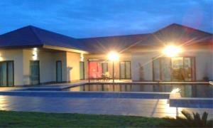 RE/MAX Town & Country Property Agency's Beautiful house in Huay Yai 1