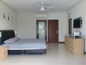 RE/MAX Town & Country Property Agency's Beautiful house in Huay Yai 11