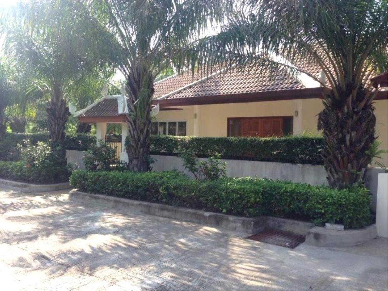 RE/MAX Town & Country Property Agency's Villas House in Huay Yai 4