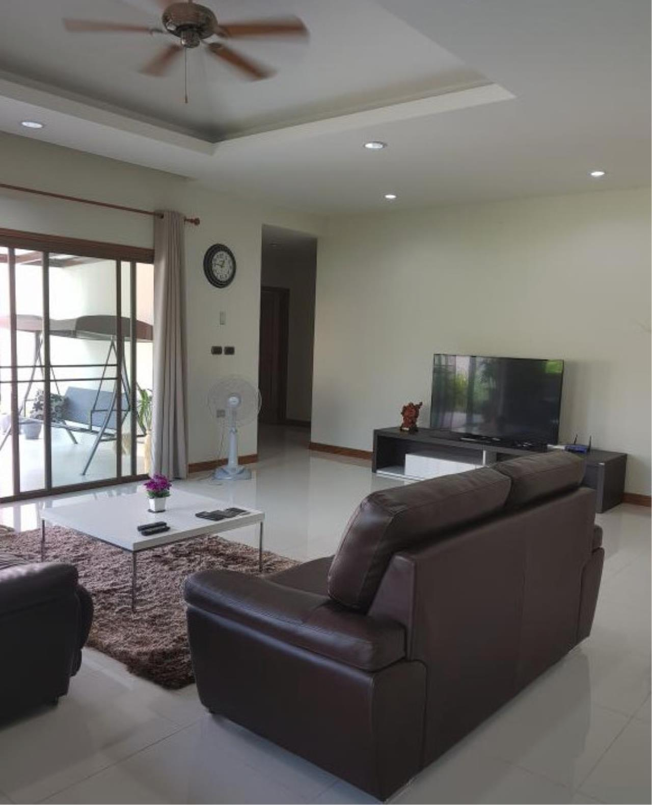RE/MAX Town & Country Property Agency's Beautiful 3 bedroom house in Huay Yai 5