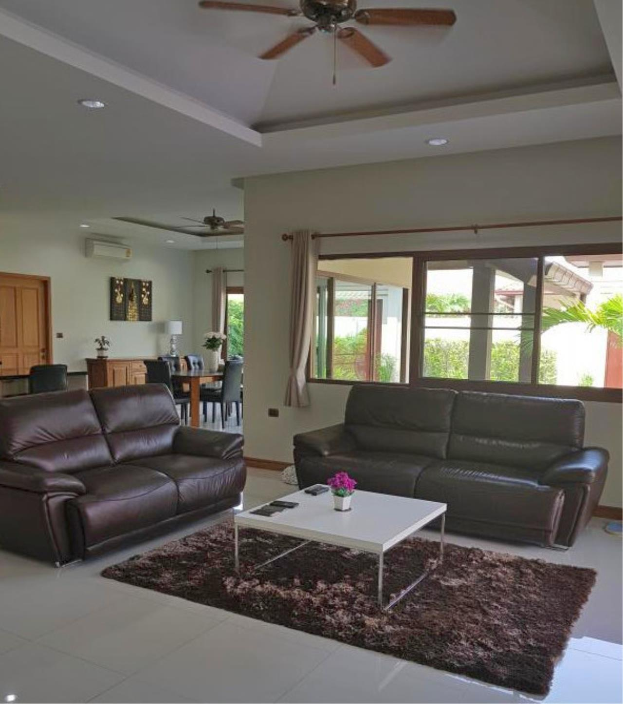 RE/MAX Town & Country Property Agency's Beautiful 3 bedroom house in Huay Yai 6
