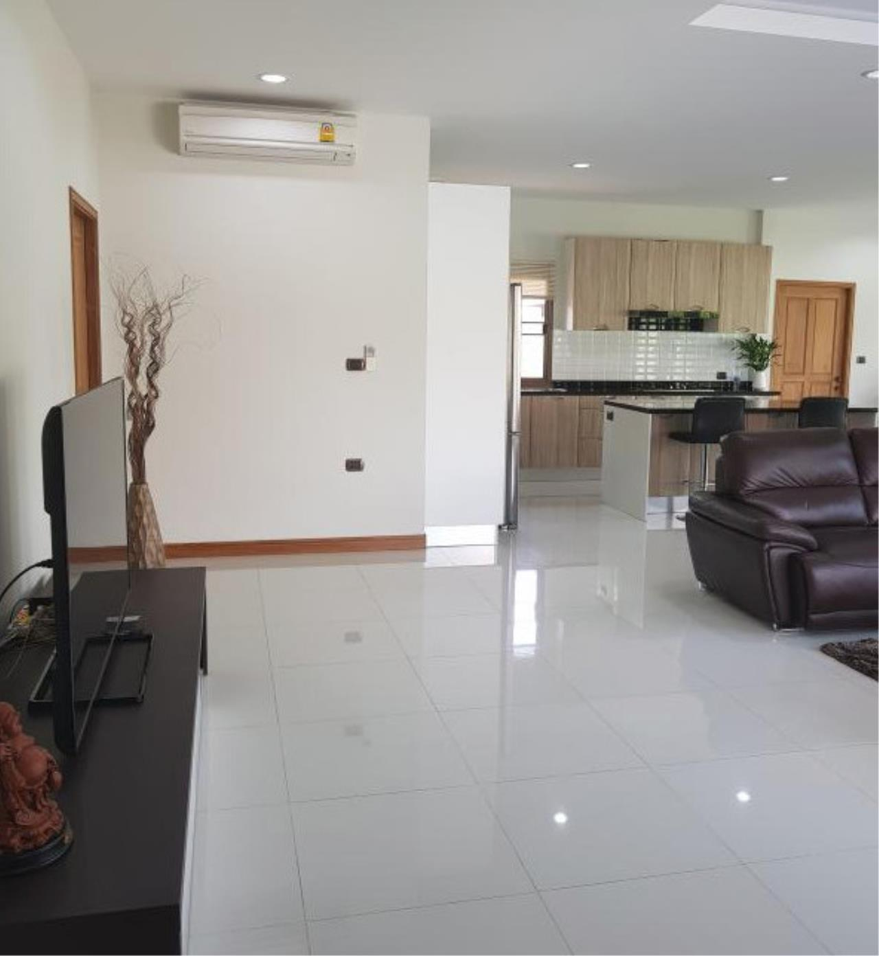 RE/MAX Town & Country Property Agency's Beautiful 3 bedroom house in Huay Yai 8