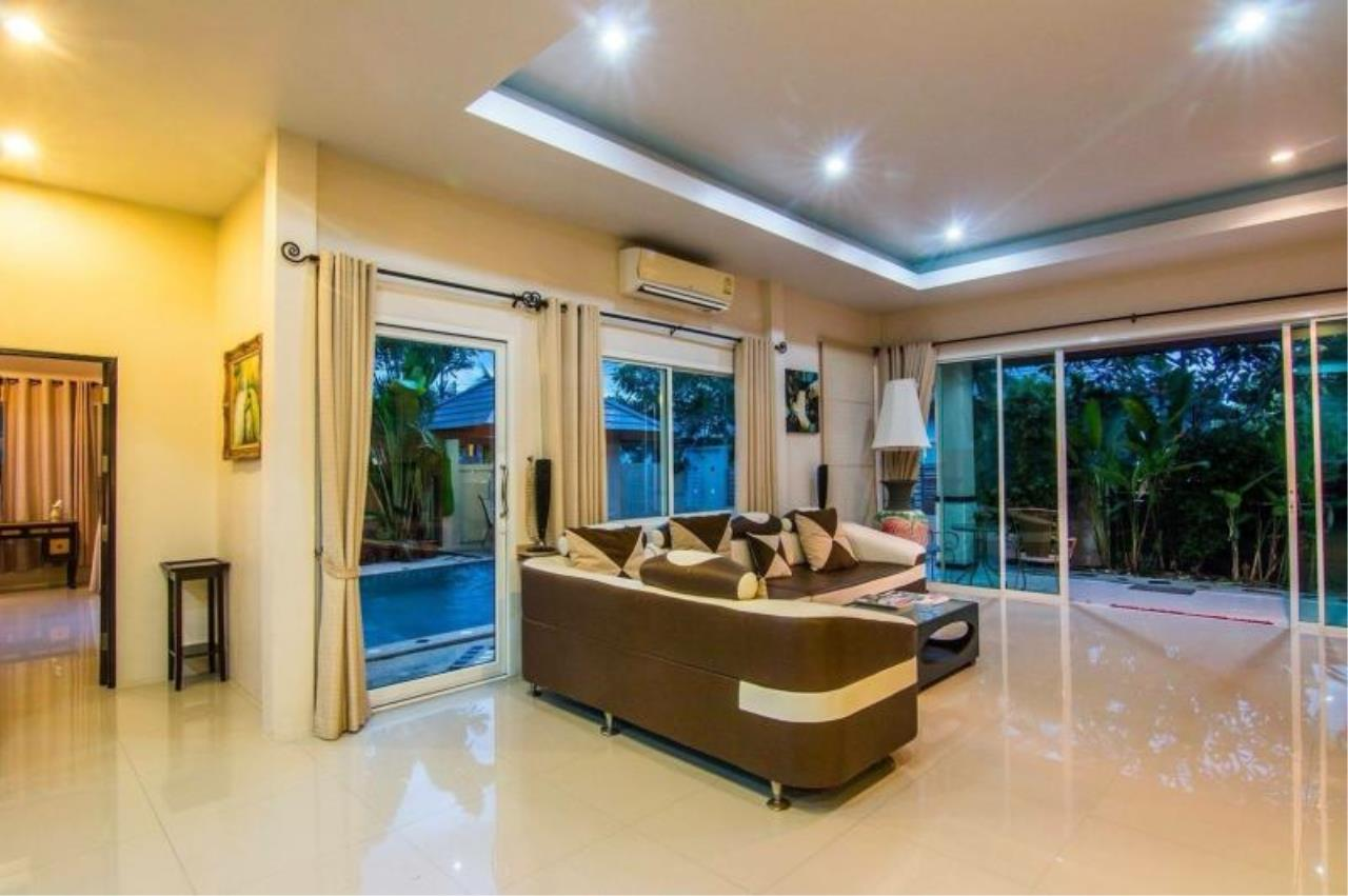 RE/MAX Town & Country Property Agency's Luxury house for rent in Huay Yai 7