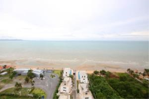 RE/MAX Town & Country Property Agency's Beach-front condo 1