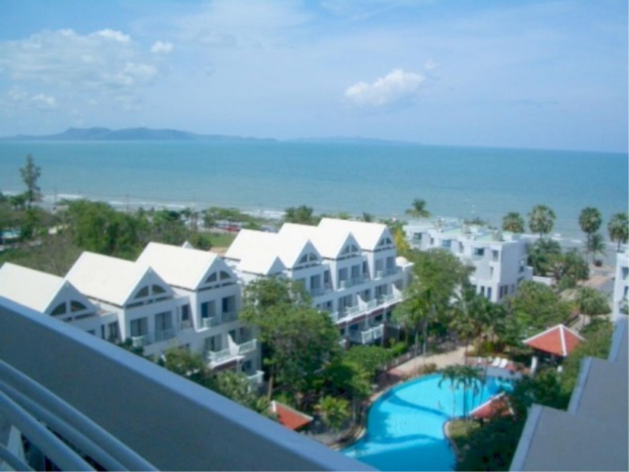 RE/MAX Town & Country Property Agency's Beachfront condominium 1