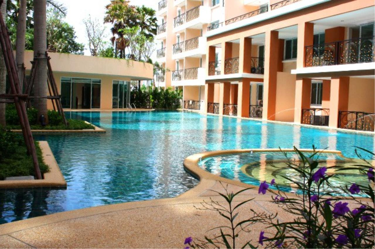 RE/MAX Town & Country Property Agency's Great Condo in Jomtien 12