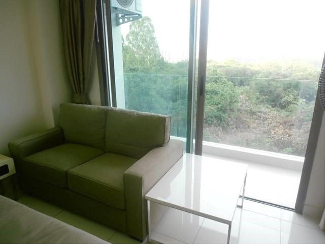 RE/MAX Town & Country Property Agency's Great Condo in Jomtien 9