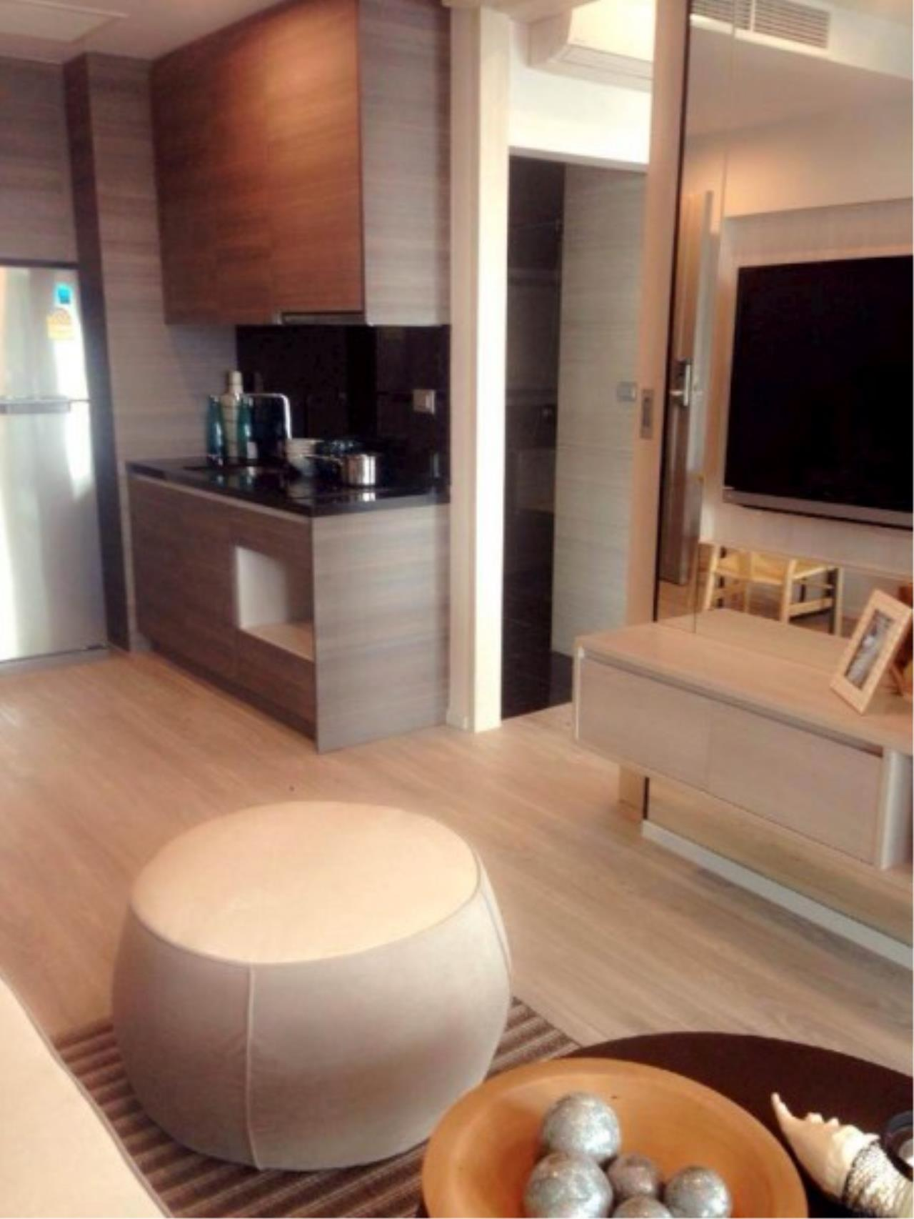 RE/MAX Town & Country Property Agency's Jomtien beach front condo 3