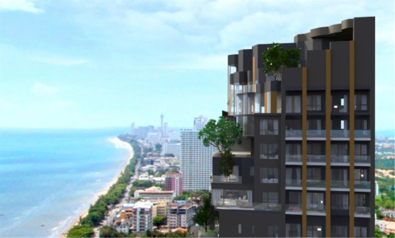 RE/MAX Town & Country Property Agency's Jomtien beach front condo 7