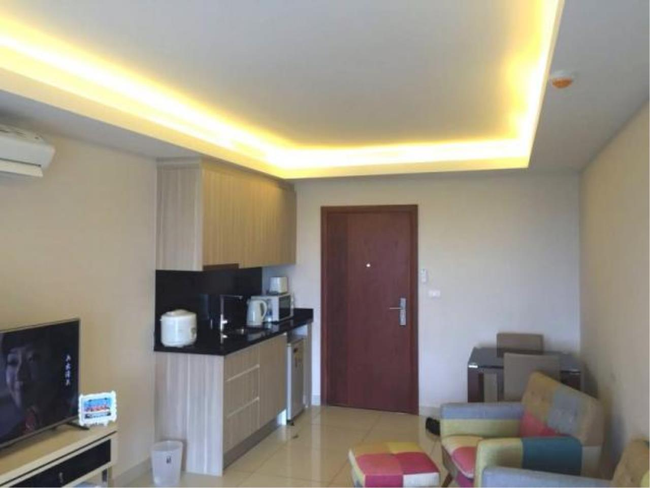 RE/MAX Town & Country Property Agency's 1 bedroom condo for sale or rent 2