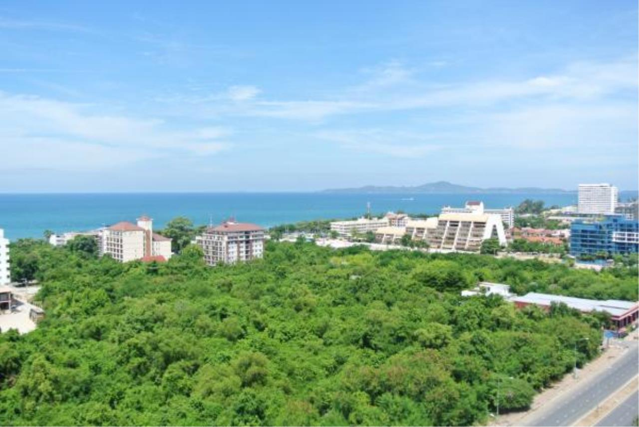 RE/MAX Town & Country Property Agency's Nice and Beautiful Sea View Condo Room for sale 10
