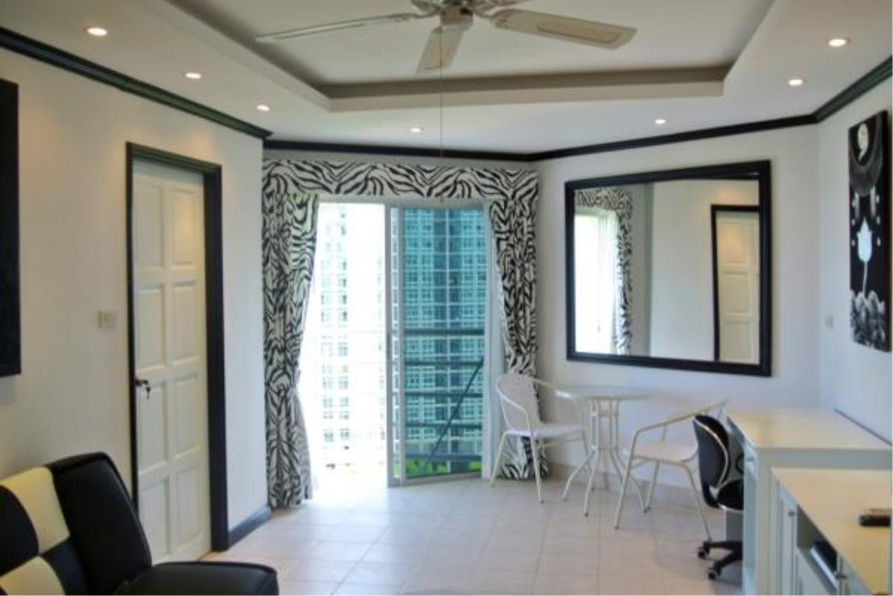 RE/MAX Town & Country Property Agency's Nice and Beautiful Sea View Condo Room for sale 2