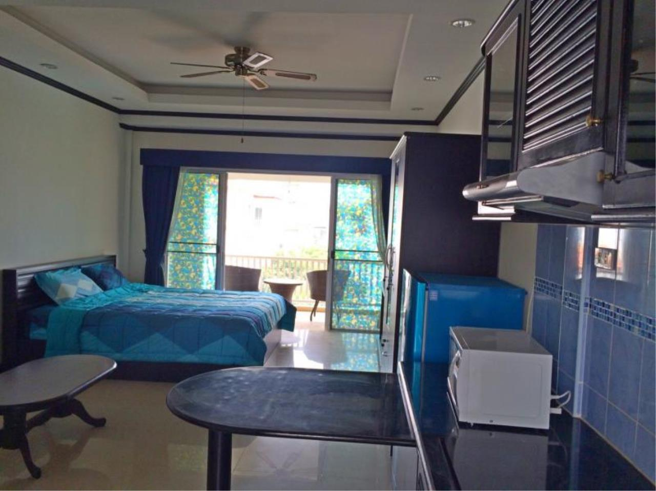 RE/MAX Town & Country Property Agency's Studio for sale in Jomtien 4