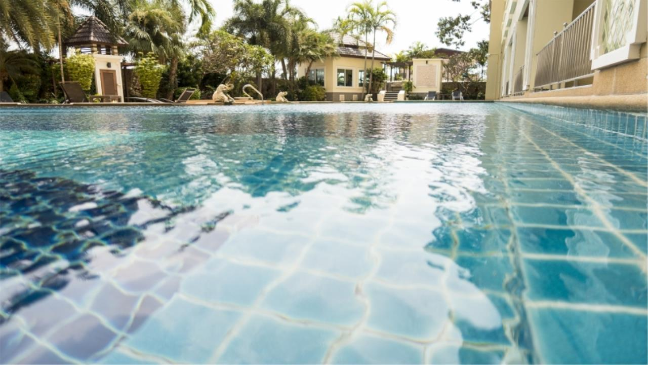 RE/MAX Town & Country Property Agency's Nice condo for sale in Jomtien 3